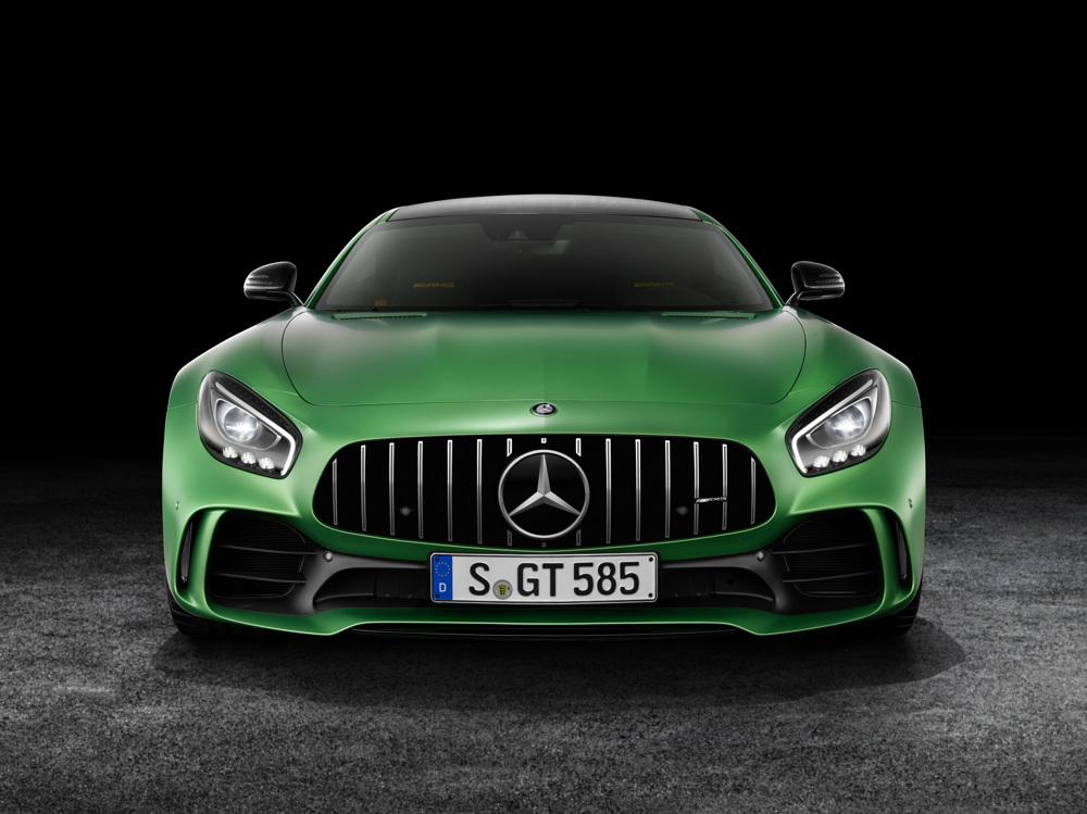 AMG GT R; 2016; Studio; Exterrieur: AMG Green Hell magno; neuer AMG Panamericana Grill; Kraftstoffverbrauch kombiniert: 11,4 l/100 km, CO2-Emissionen kombiniert: 259 g/km AMG GT R; 2016; studio; Exterior: AMG Green Hell magno, new AMG Panamericana radiator grille; Fuel consumption, combined: 11.4 l/100 km, CO2 emissions, combined: 259 g/km