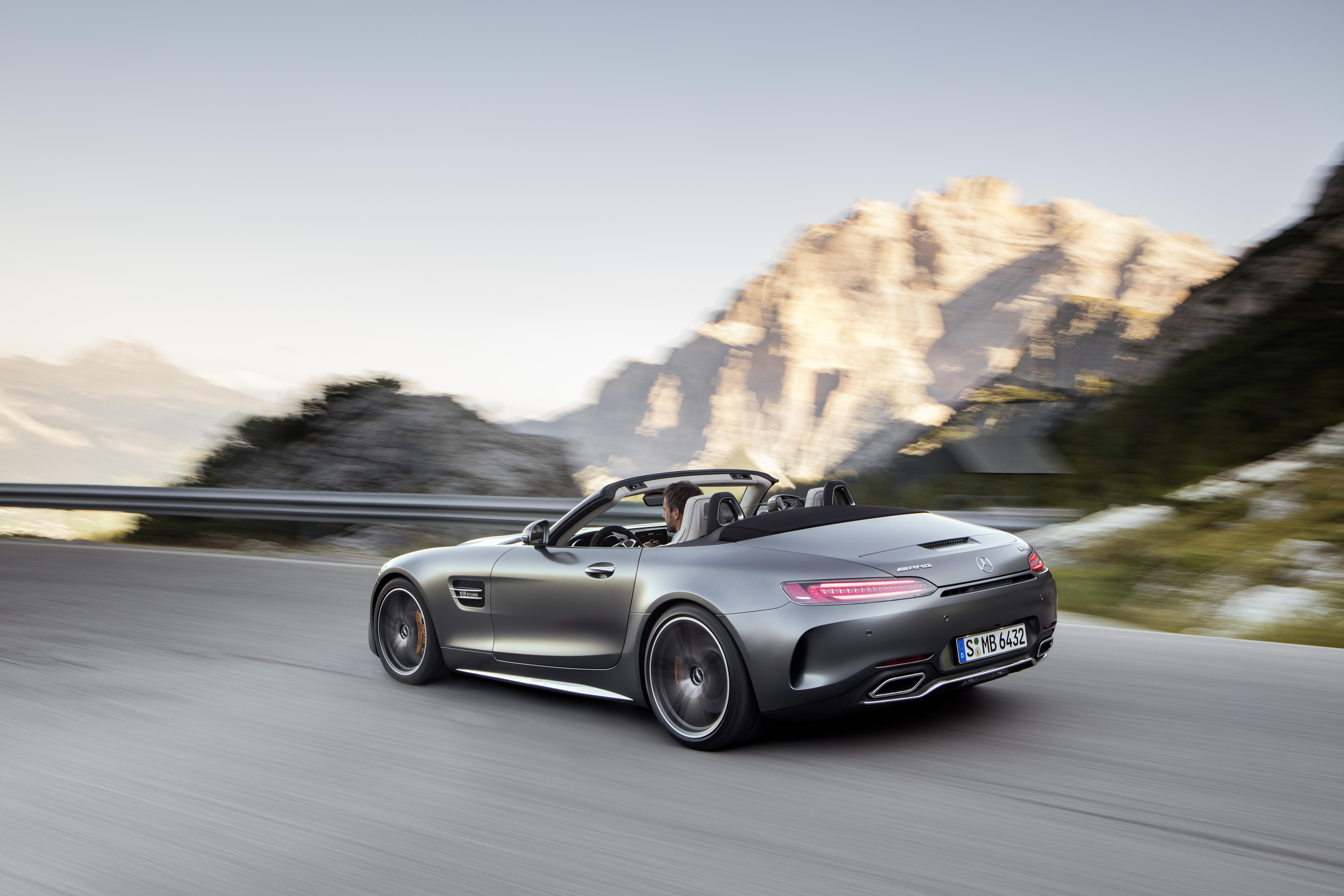 AMG GT C Roadster (R 190), 2016; Exterieur: designo selenitgrau magno; Interieur: Leder Nappa Exklusiv macchiatobeige; Kraftstoffverbrauch kombiniert: 11,4 l/100 km, CO2-Emissionen kombiniert: 259 g/km//AMG GT C Roadster (R 190), 2016; exterior: designo selenit grey magno; interior:Nappa leather exclusive macchiato beige; fuel consumption, combined: 11.4 l/100 km; combined CO2 emissions: 259 g/km
