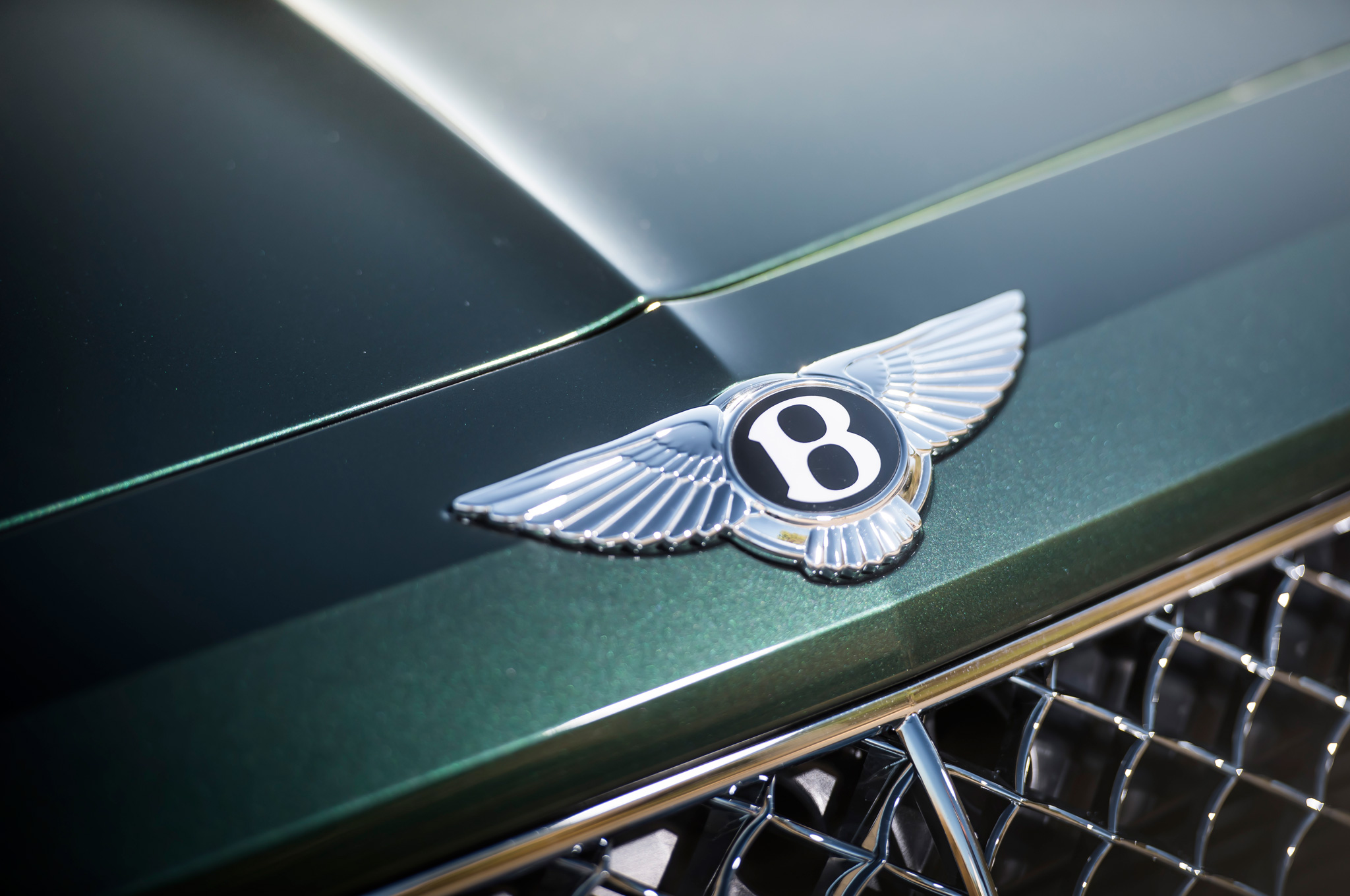 Bentley Bentayga Gets Down and Dirty with Diesel