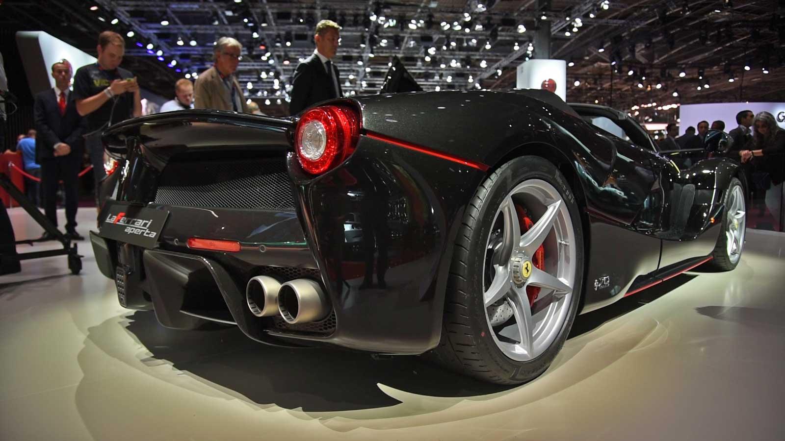 2017-Ferrari-LaFerrari-Aperta-Rear