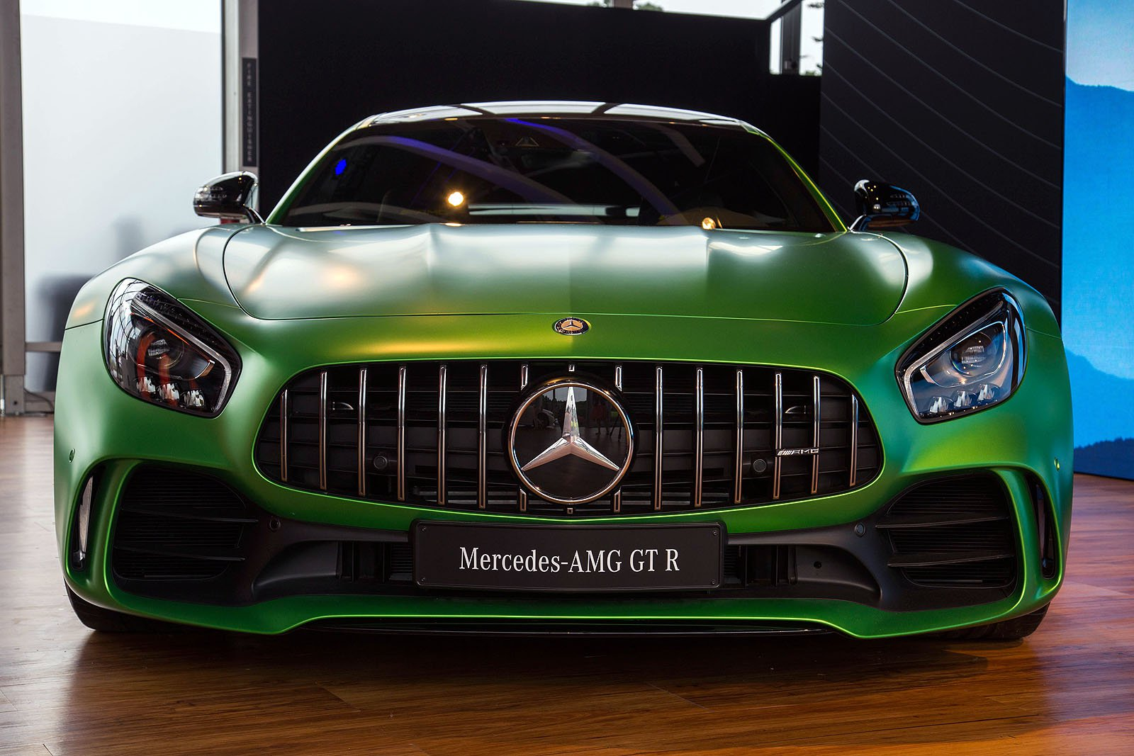 Jaw-Dropping Mercedes-AMG GT R Stands Out Among Supercars at U.S. Debut