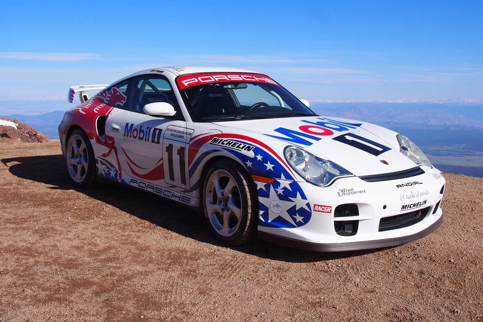 2017-Porsche-GT2-03