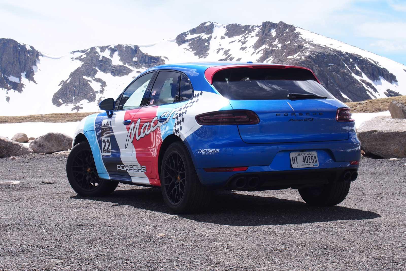 2017-Porsche-Macan-GTS-15