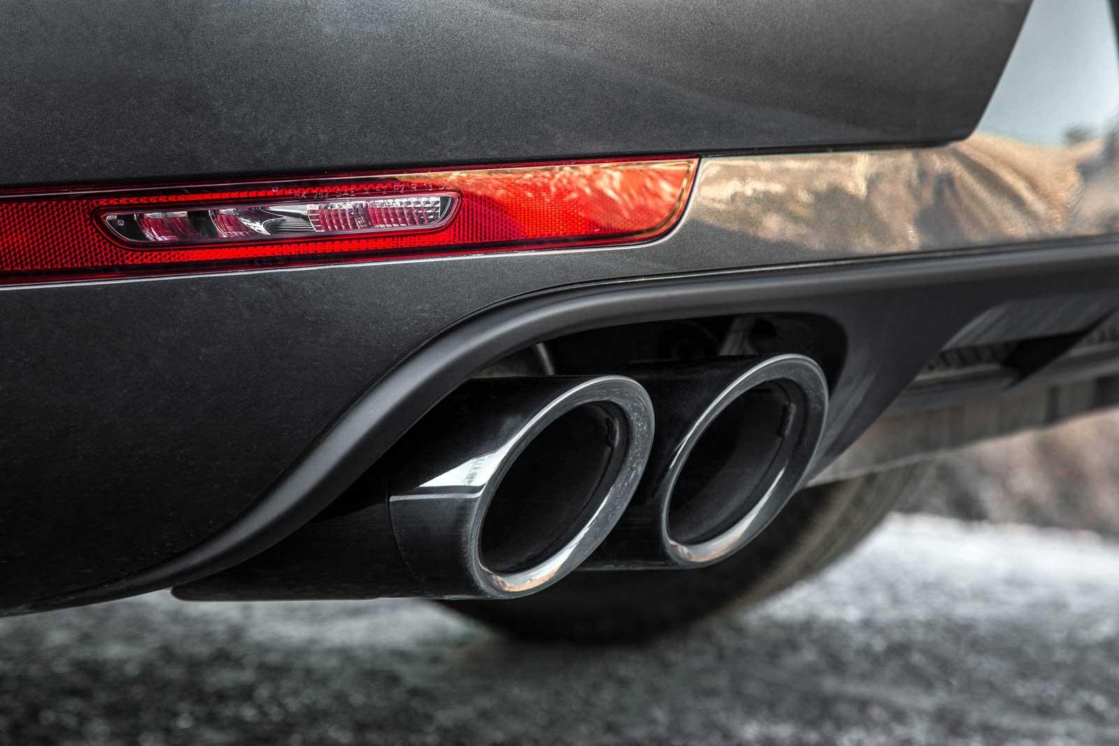 2017-Porsche-Macan-GTS-Exhaust-Tips-01
