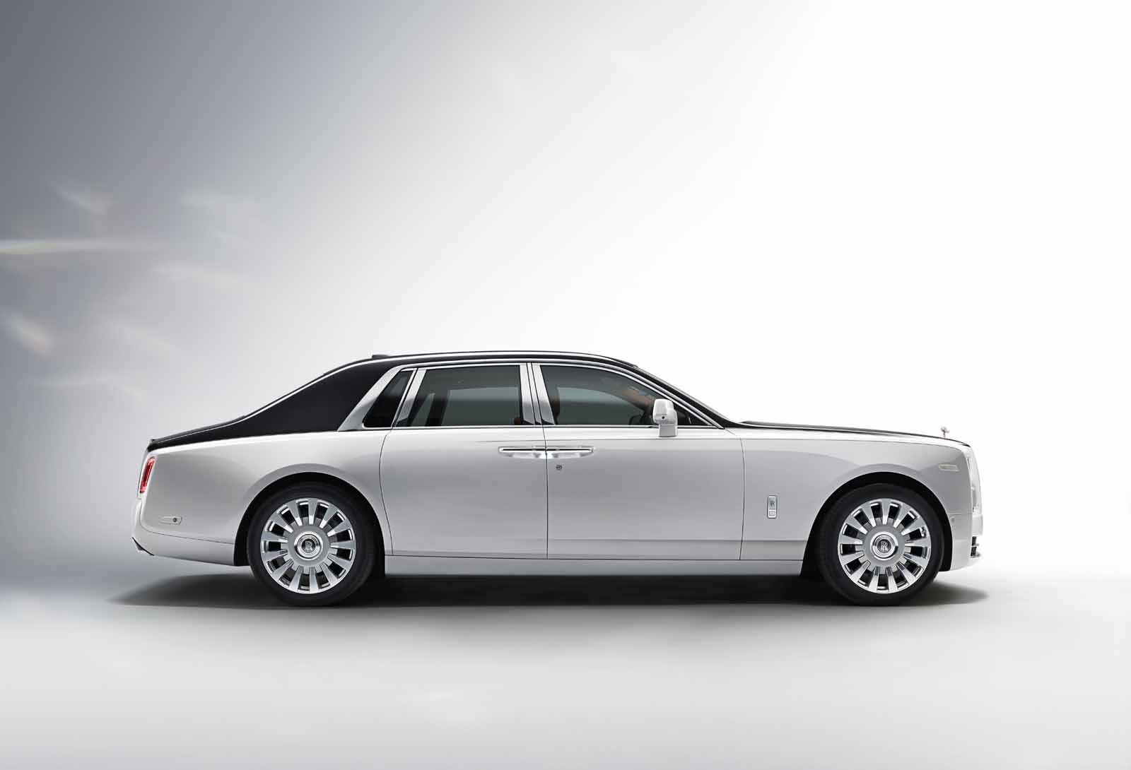 New 2018 Rolls-Royce Phantom Raises the Bar for Opulence