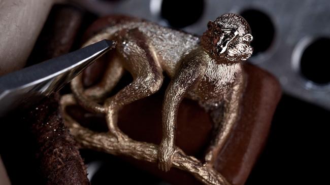 650x365_Jaquet-Droz_Petite-Heure-Minute-Relief-Monkey_J005023281_Workshop_Sculpting