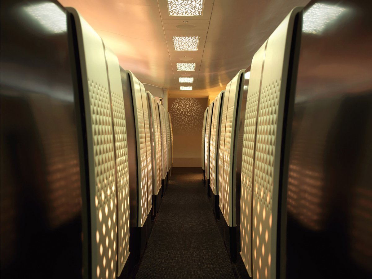 airplane hallway