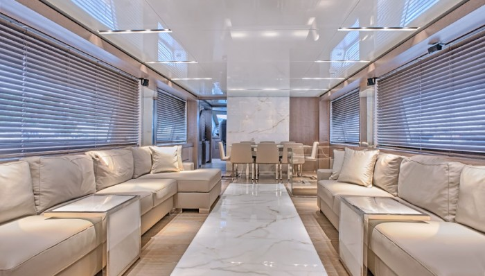 amer-yacht-94-02