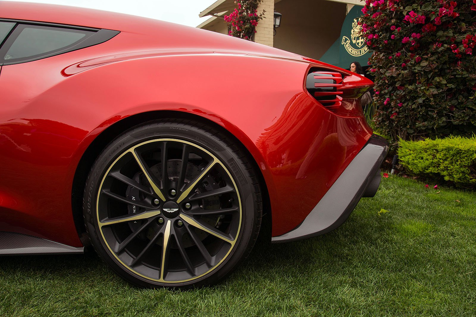 Top 5 Coolest Wheels on Production Cars