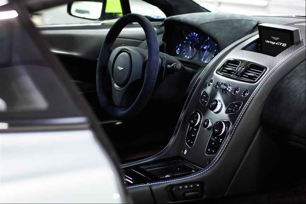 Aston Martin Vantage GT8. April 2016 Photo: Drew Gibson