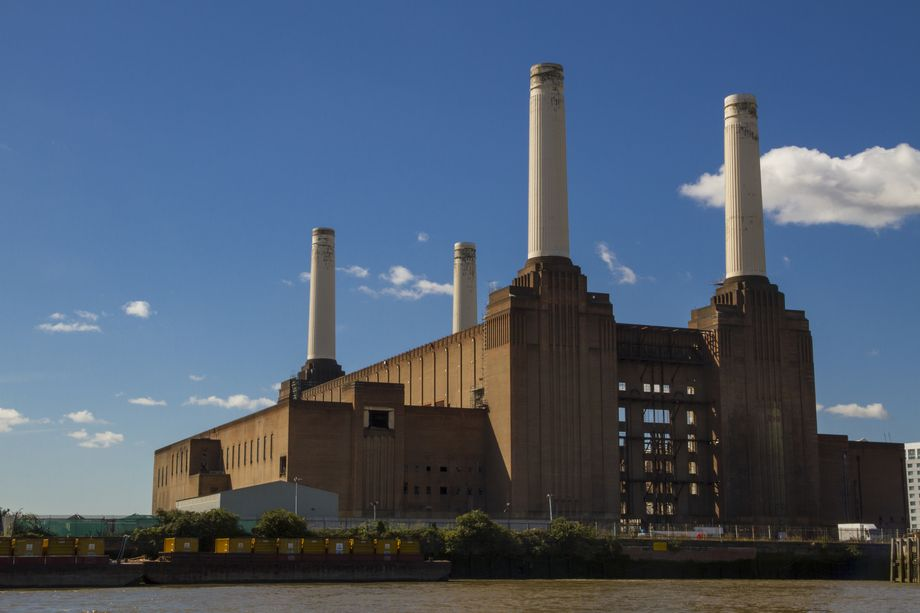 Apple's New London HQ is This Gorgeous Old Powerplant