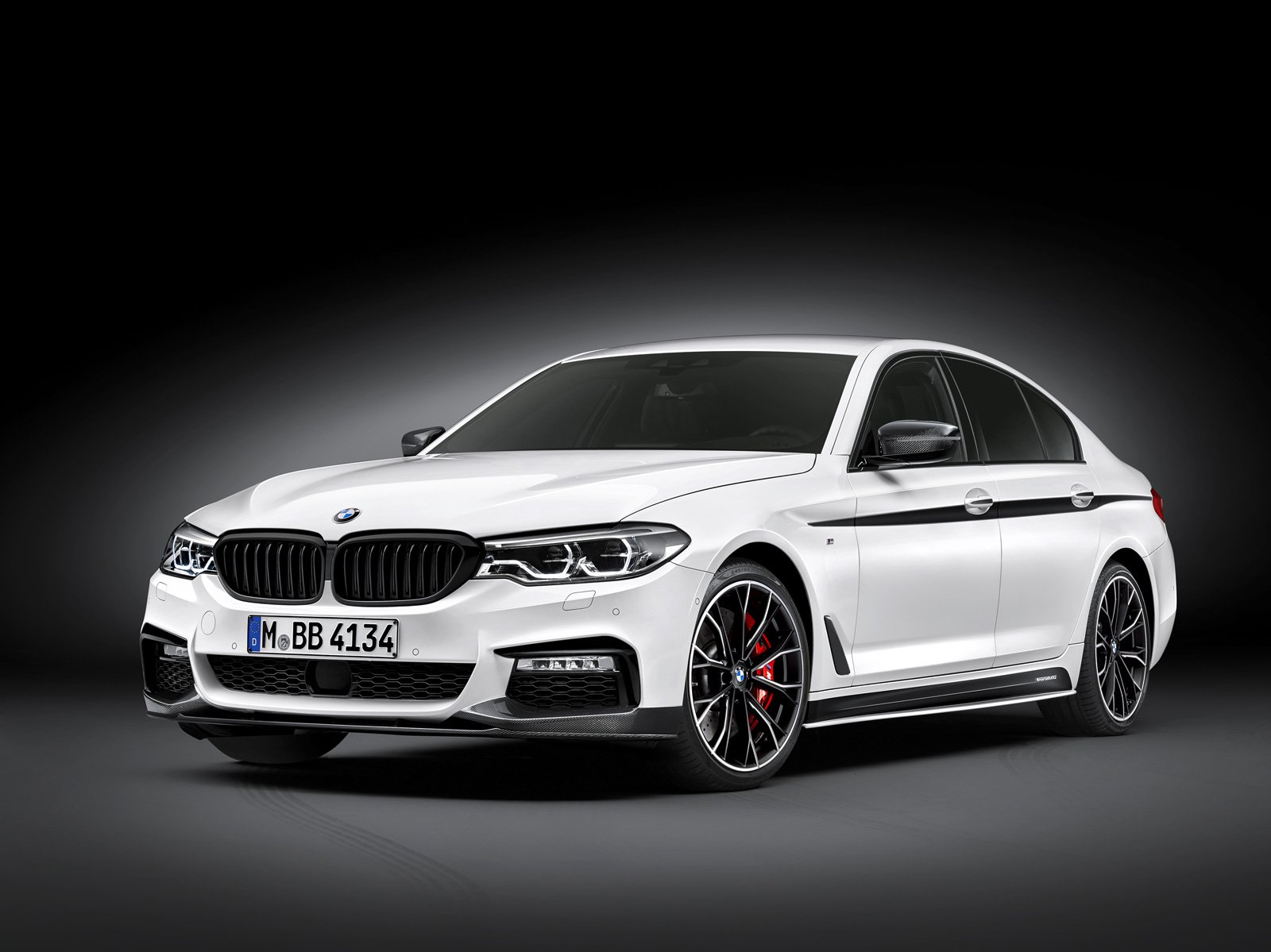 New BMW 5 Series Gets Loads of M Performance Accesssories