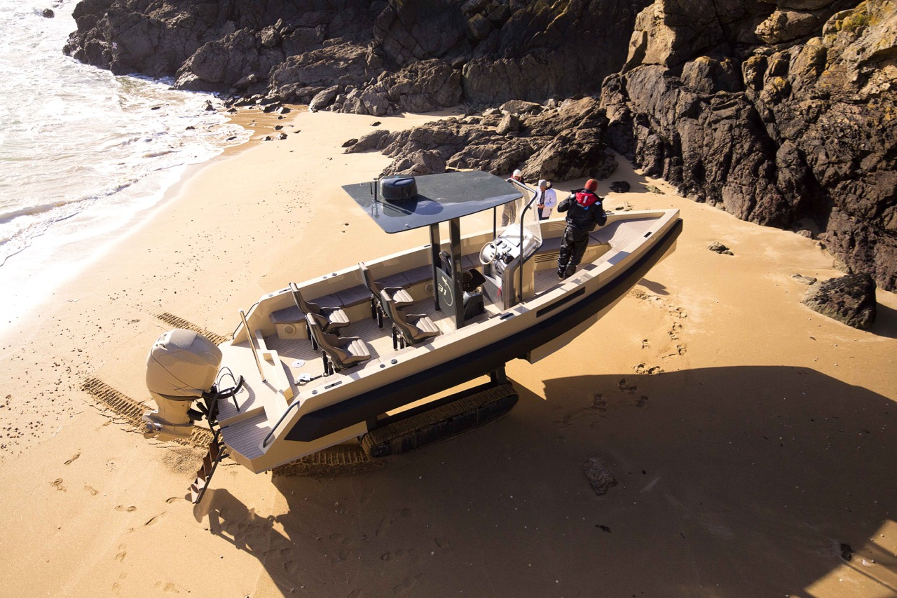 This Amphibious Yacht Climbs Back on the Beach at the End of the Day