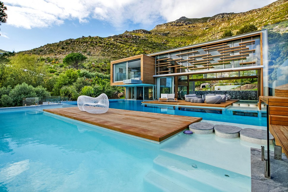 The Spa House in South Africa is The Epitome of Tropical Luxury—Look Inside