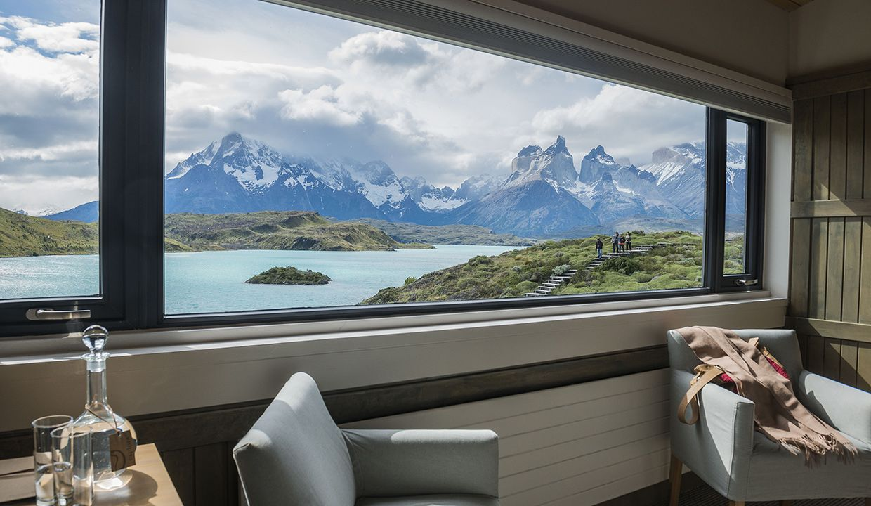 Cordillera-Paine-room-wonderful-overview.-Luxury-vacations-wildlife