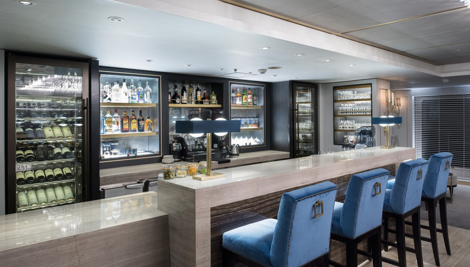 crystal-esprit-cruise-ship-bar
