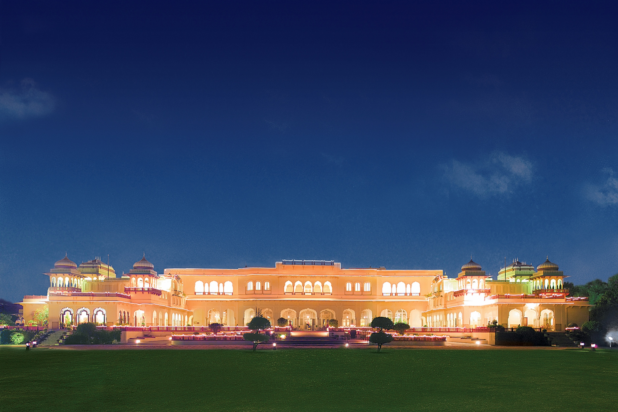 Live Like a Maharaja in These Top 5 Luxury Hotels in India