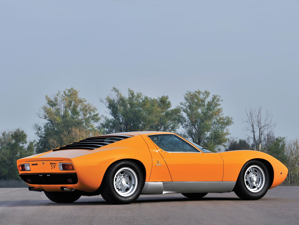 Here's 19 Reasons We Fell in Love With This 1972 Lamborghini Miura P400 SV