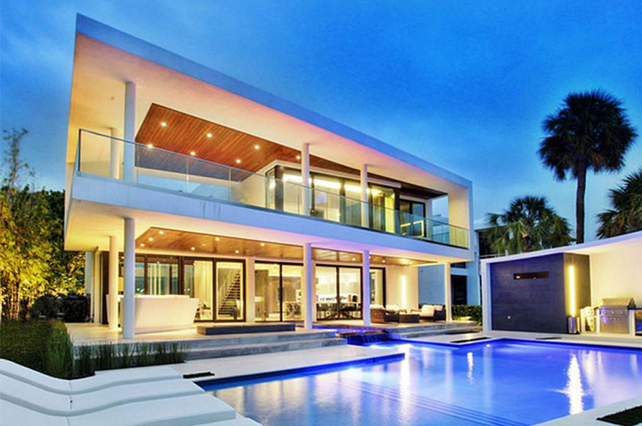 This Gorgeous Miami Property Can Host the World's Most Luxurious Pool Party