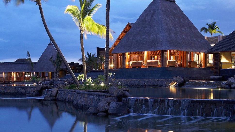 Your New Private Island Paradise? The Four Seasons Mauritius in the Indian Ocean