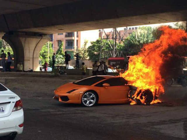 Watch A Lamborghini Set Itself On Fire In India
