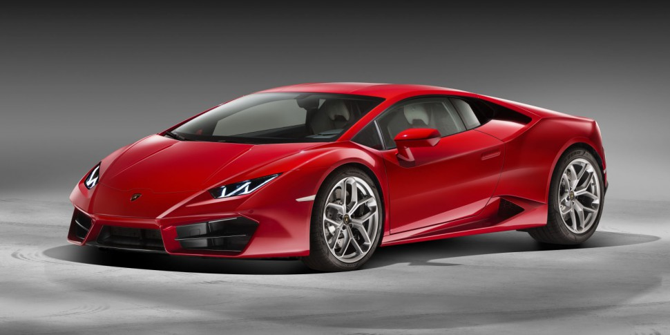 Here's Why The New Lamborghini Huracan LP 580-2 is a Purist's Dream