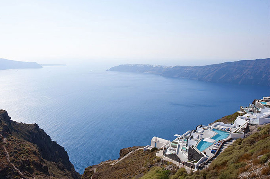 The 5 Most Luxurious Hotels in Greece will Make You Feel Like a Deity