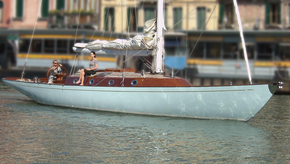 james-bond-yacht-02