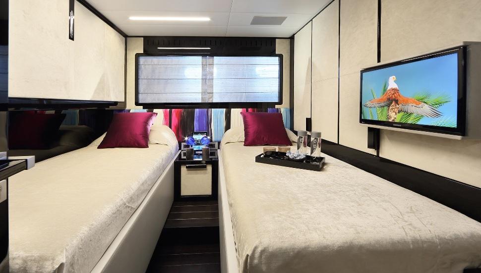koji_performance_yacht_suite_luxury_4_play 008