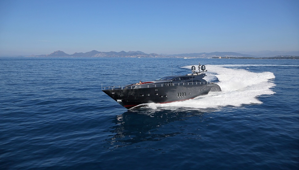 koji_performance_yacht_suite_luxury_4_play 009