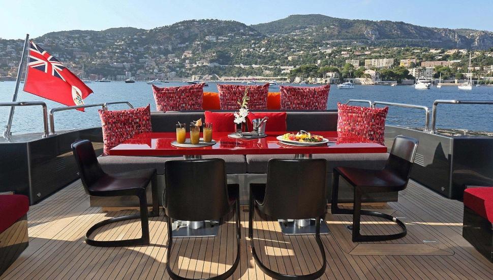 koji_performance_yacht_suite_luxury_4_play 013