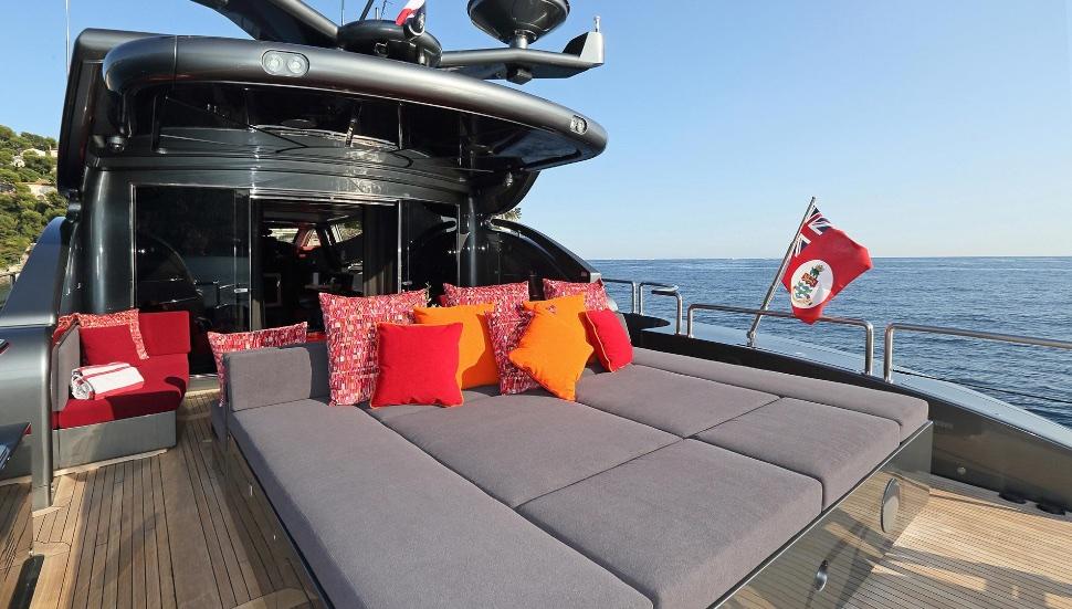 koji_performance_yacht_suite_luxury_4_play 015