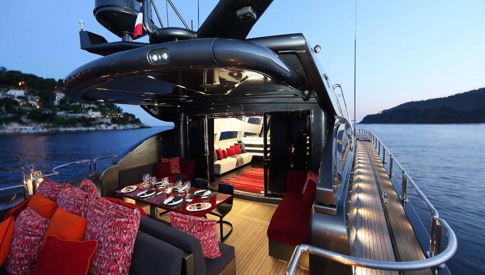 koji_performance_yacht_suite_luxury_4_play 017