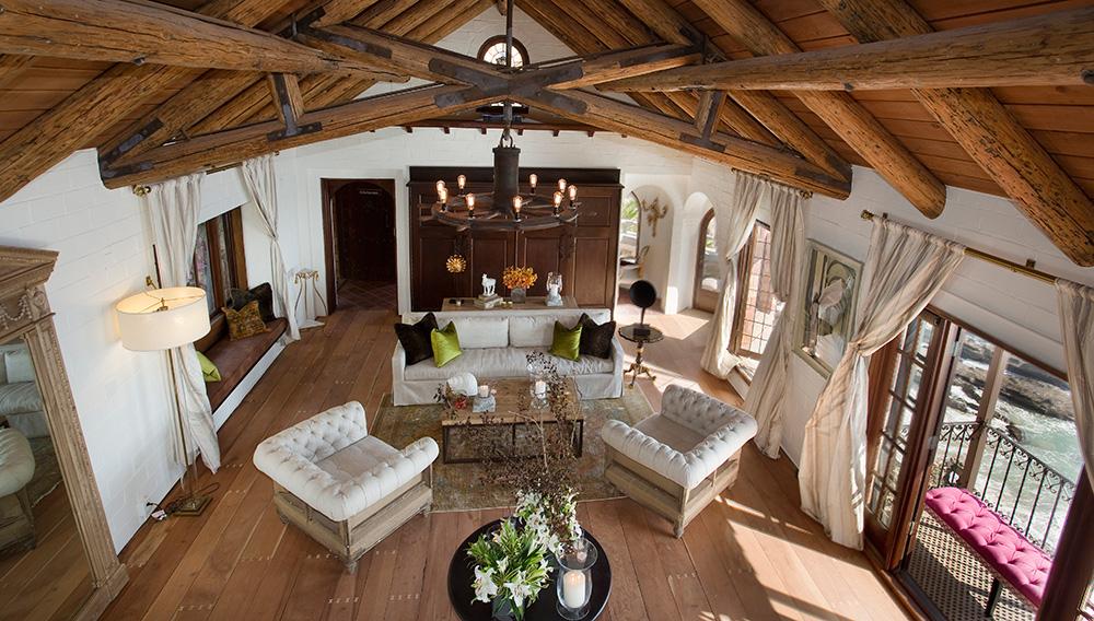 laguna-beach-rental-living-room