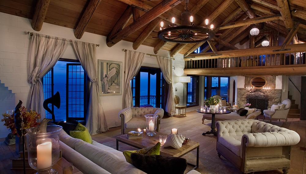 laguna-beach-rental-living-room-night