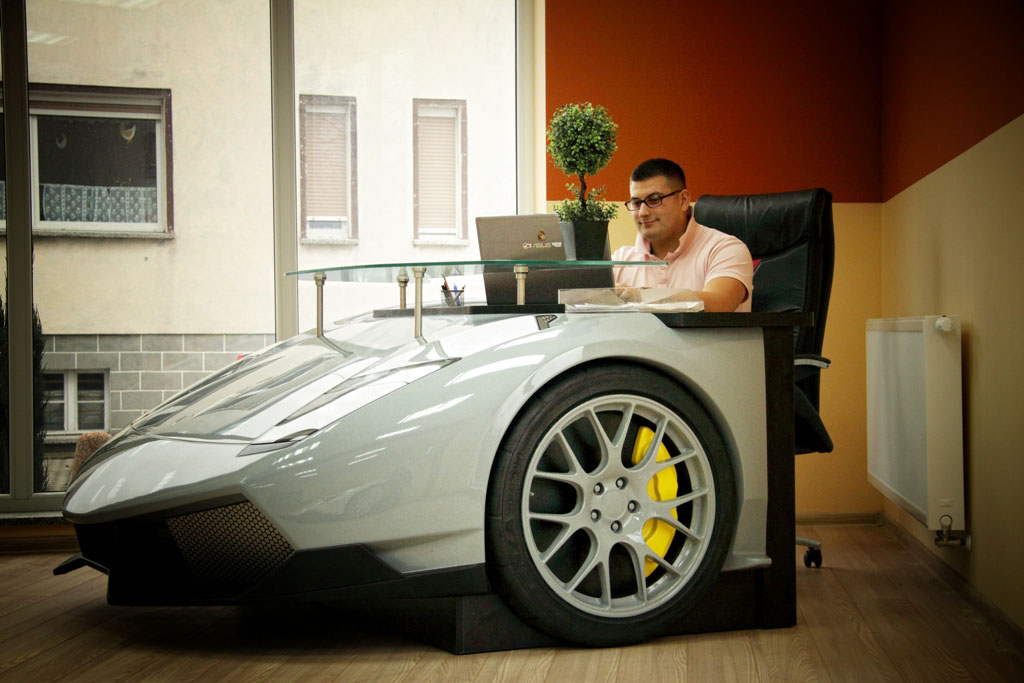 Speed Through Your Workday With This Awesome Lamborghini Desk