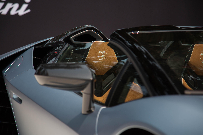 Lamborghini-Centenario-Roadster-Pebble-13