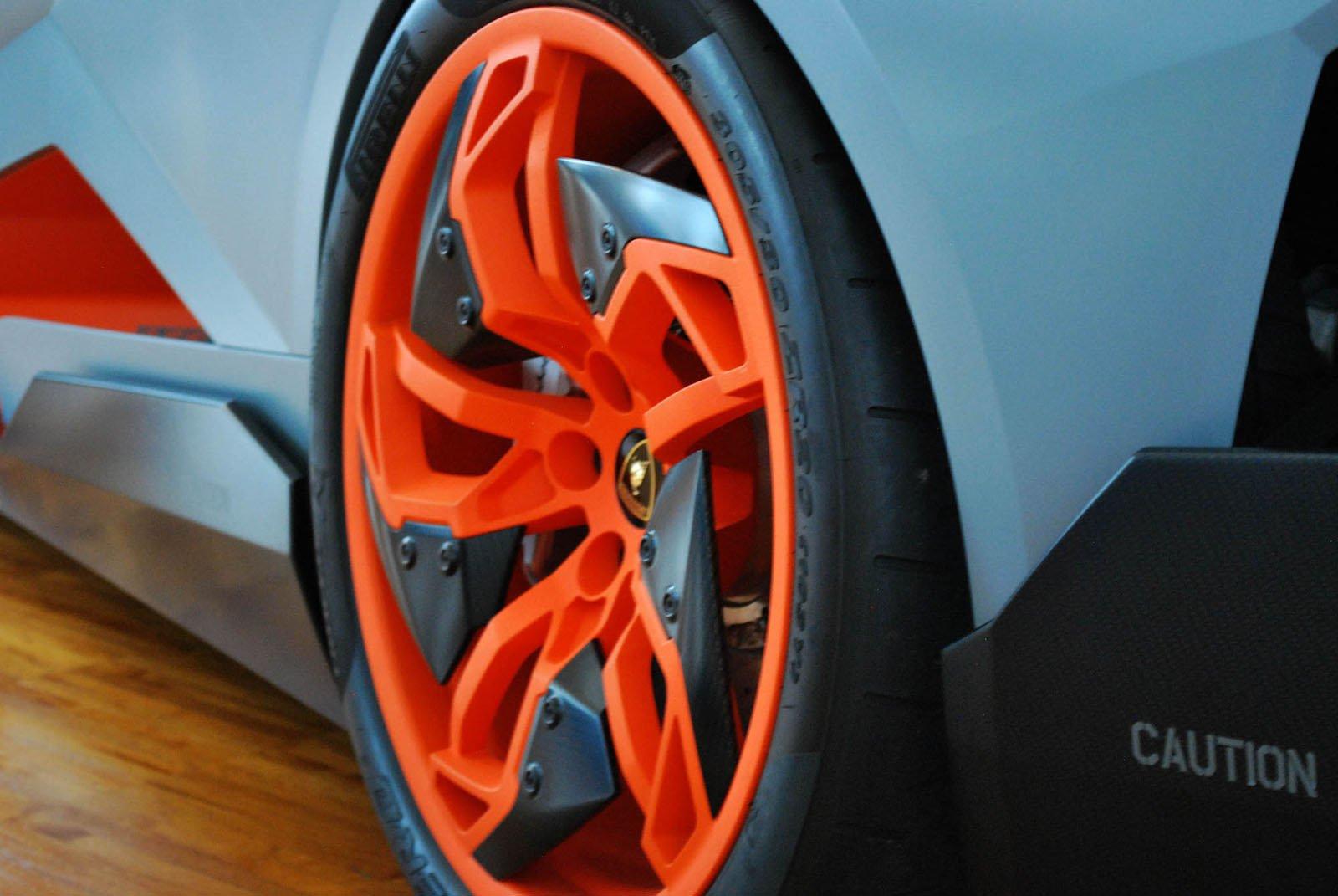 Lamborghini-Egoista-18