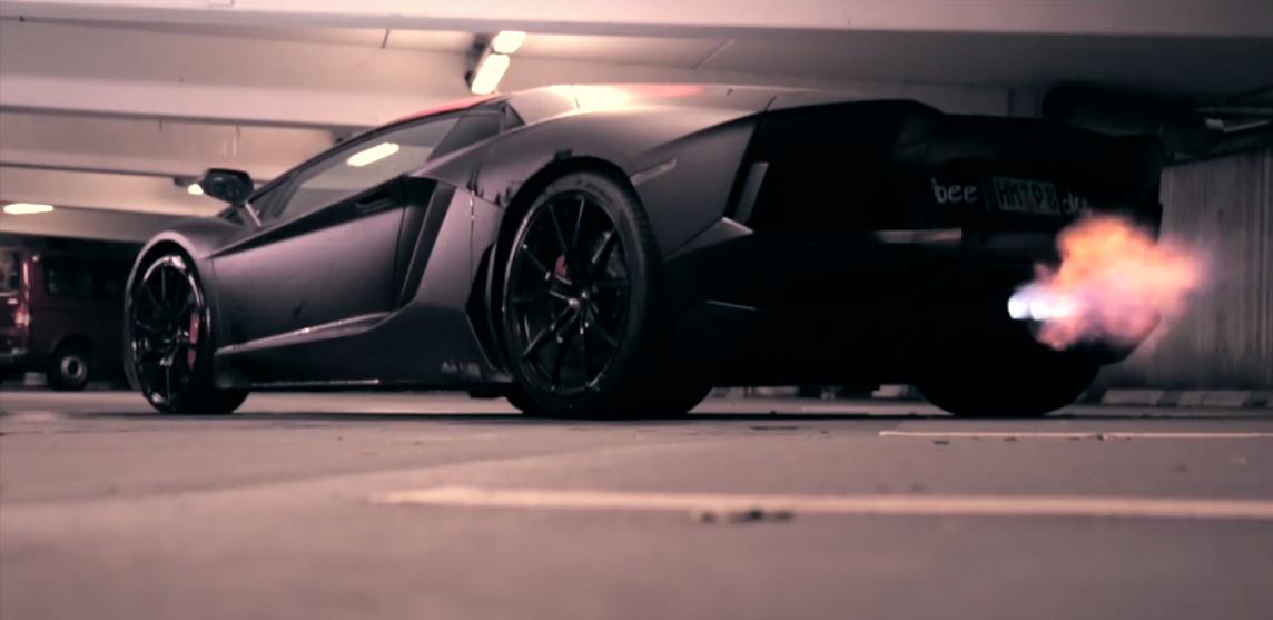 You Won't Believe This Lamborghini Aventador's Trick Paintjob