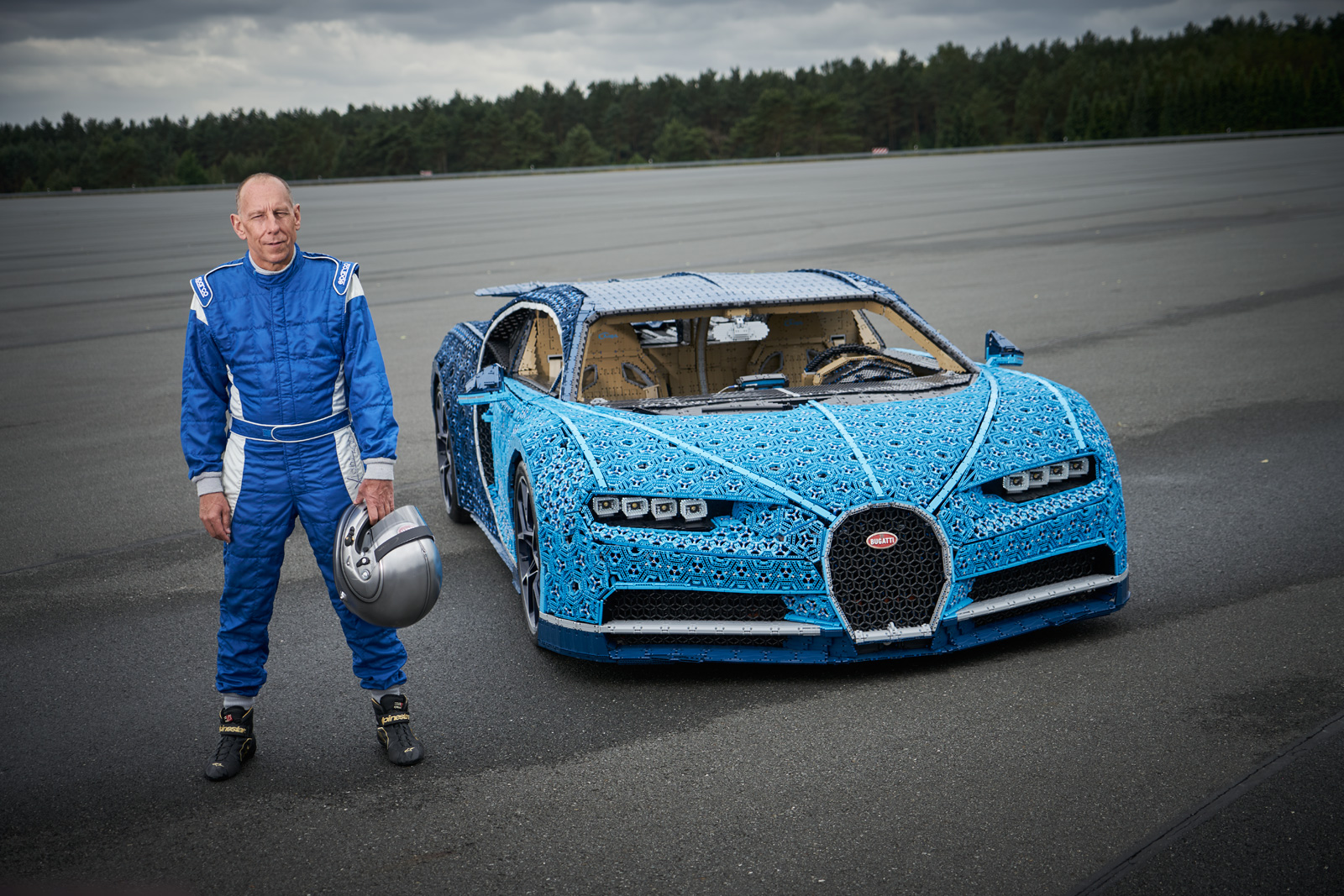 This LEGO Technic Bugatti Chiron Actually Drives