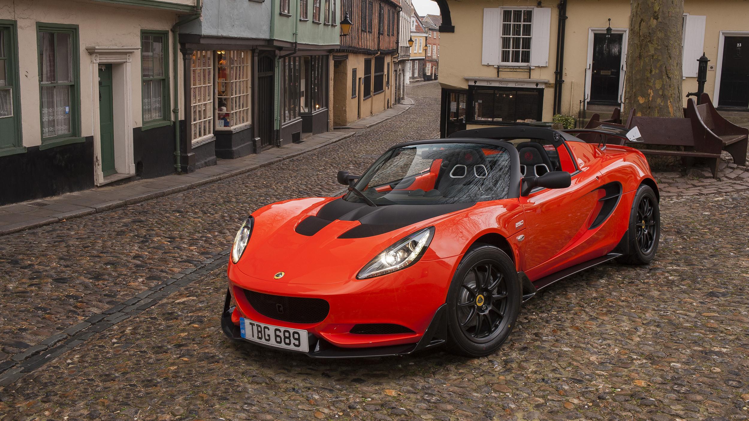 Lotus Preparing Evora Roadster, Next-Gen Elise