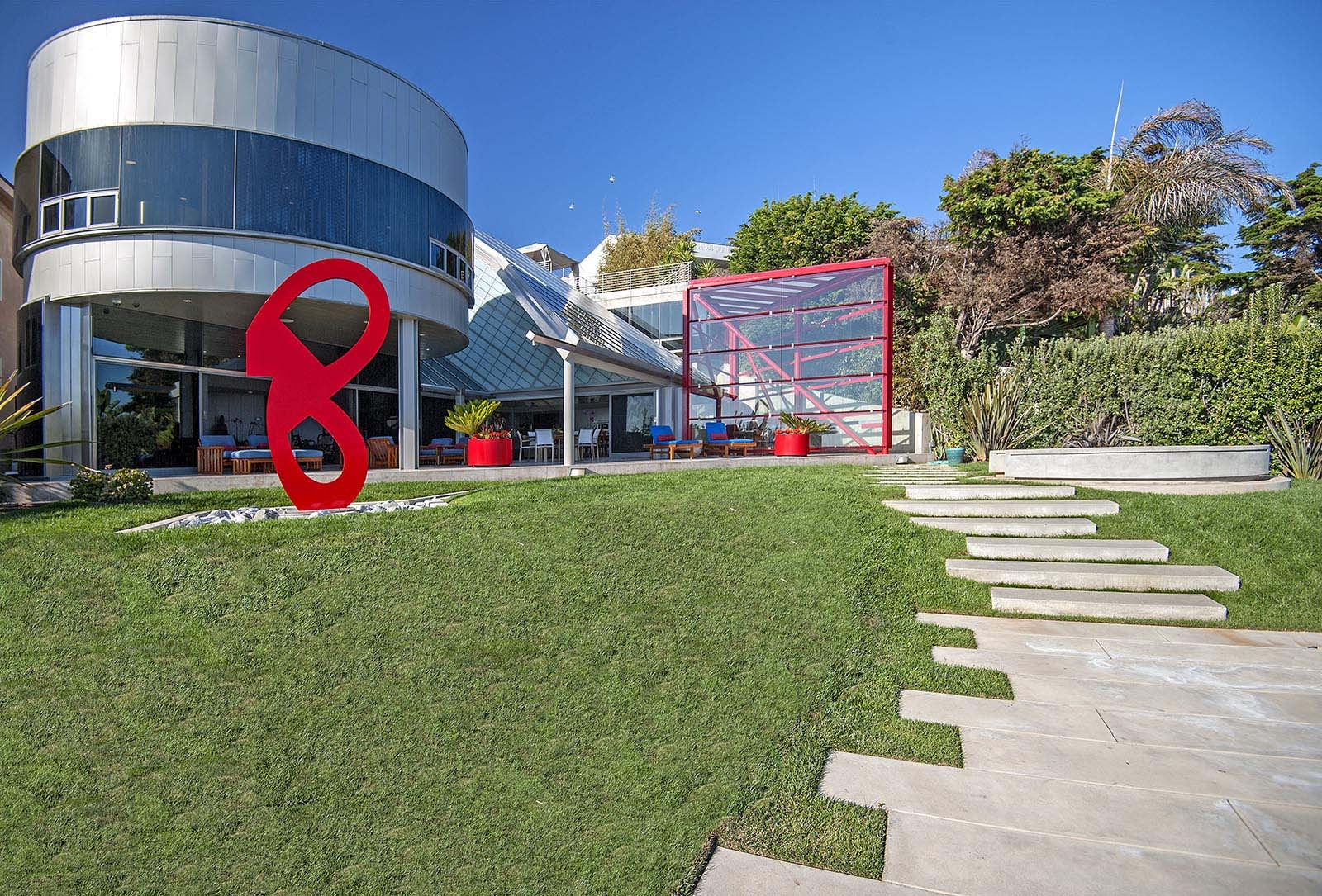 You've Never Seen Anything Like This $53 Million Malibu Beach House Before!