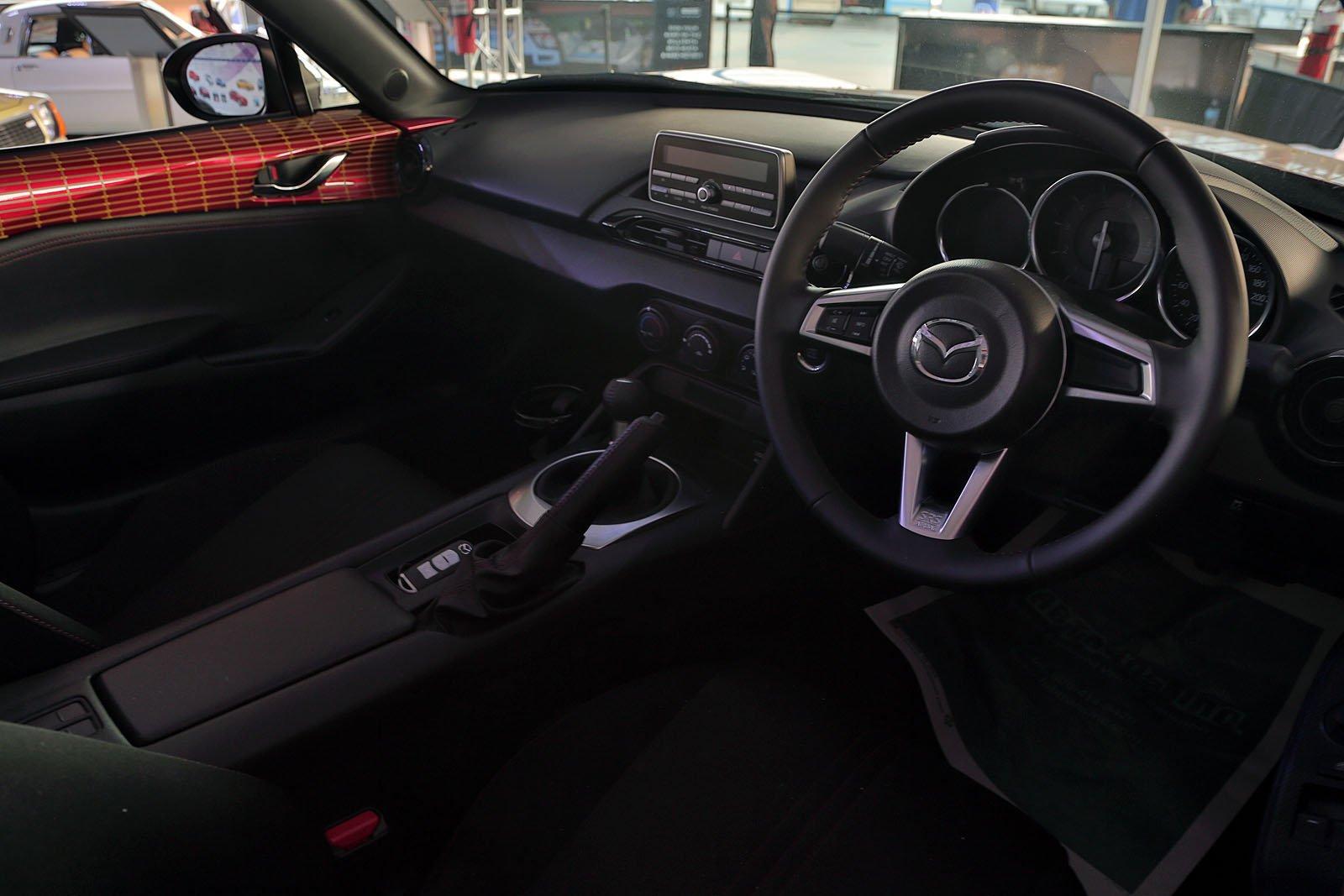 Mazda-at-Monterey-Motorsports-Reunion-25