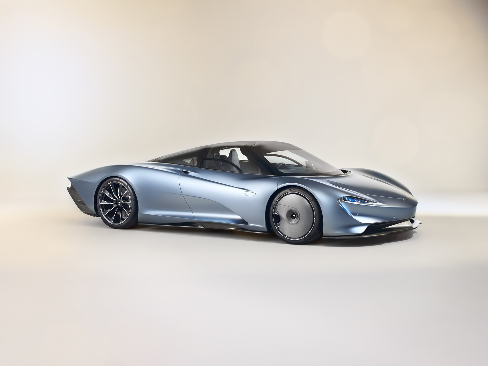 McLaren Speedtail is Nearly 17 Feet Long and Can do 250 MPH