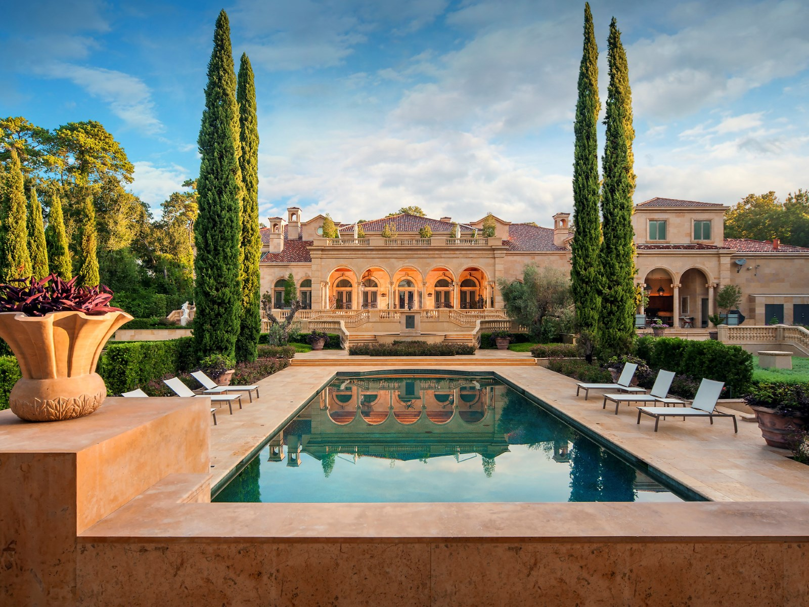 This $43 Million Texas Palace is Unbelievably Huge and Luxurious