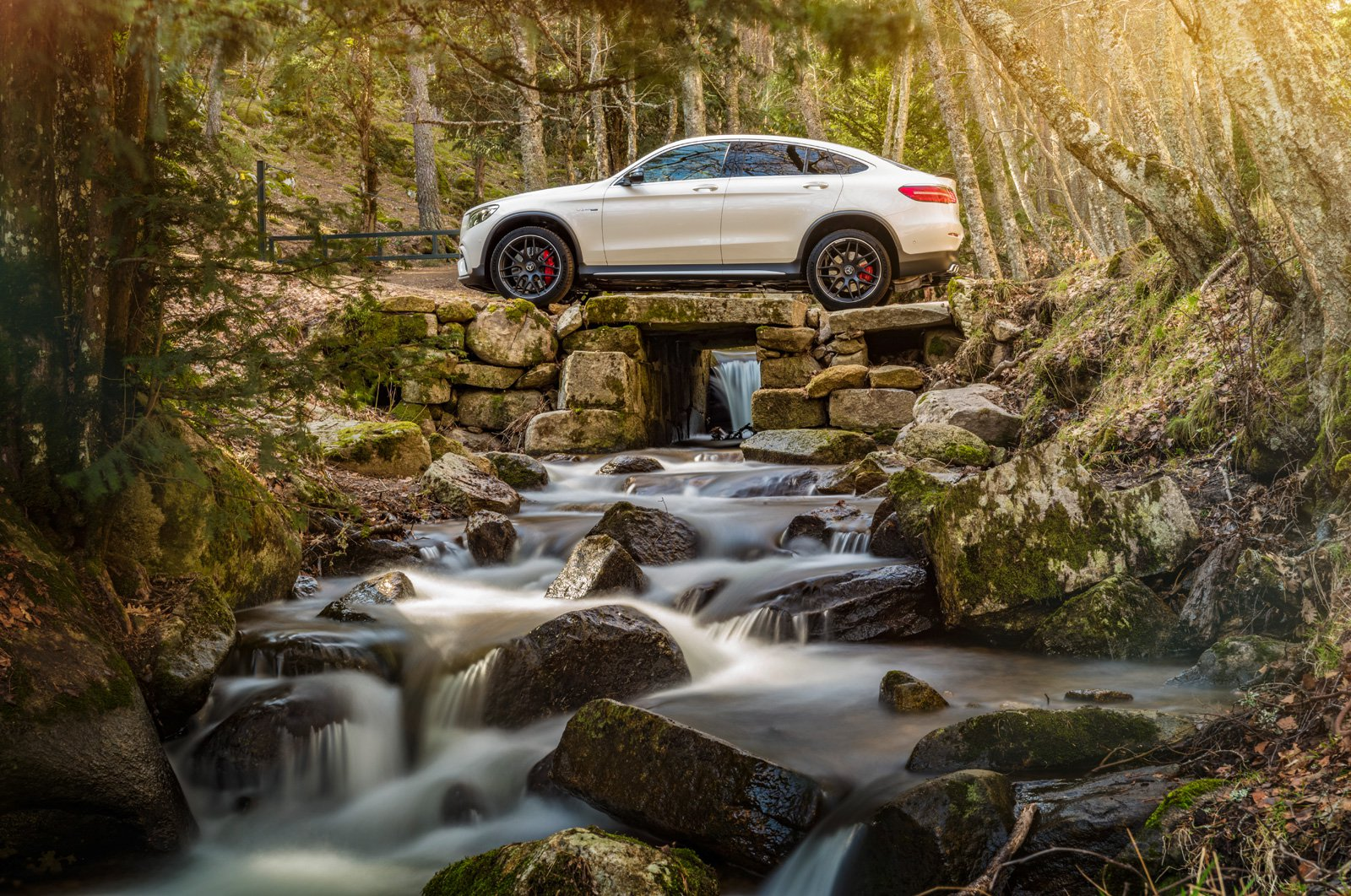 mercedes-amg-glc63-s-coupe-09