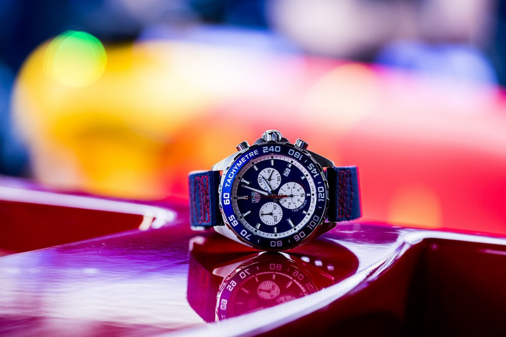 TAG Heuer Unveils Two Special Series F1 Red Bull Watches