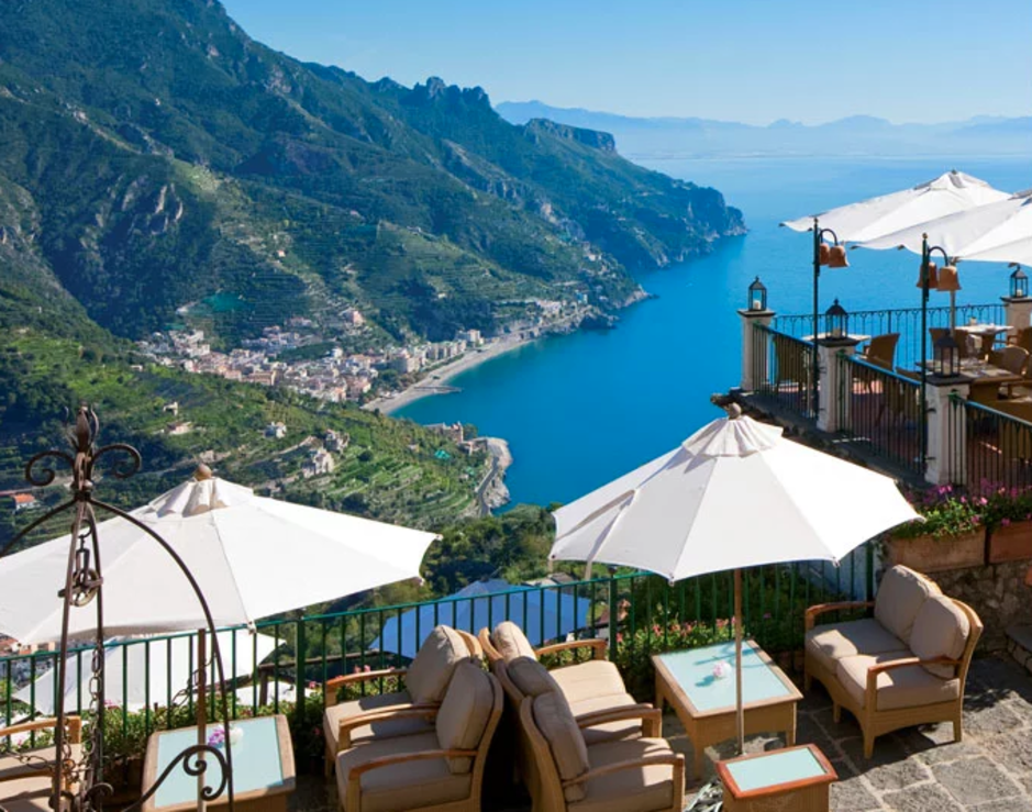 These 15 Photos of One of the Amalfi Coast's Nicest Hotels Are Unbelievable