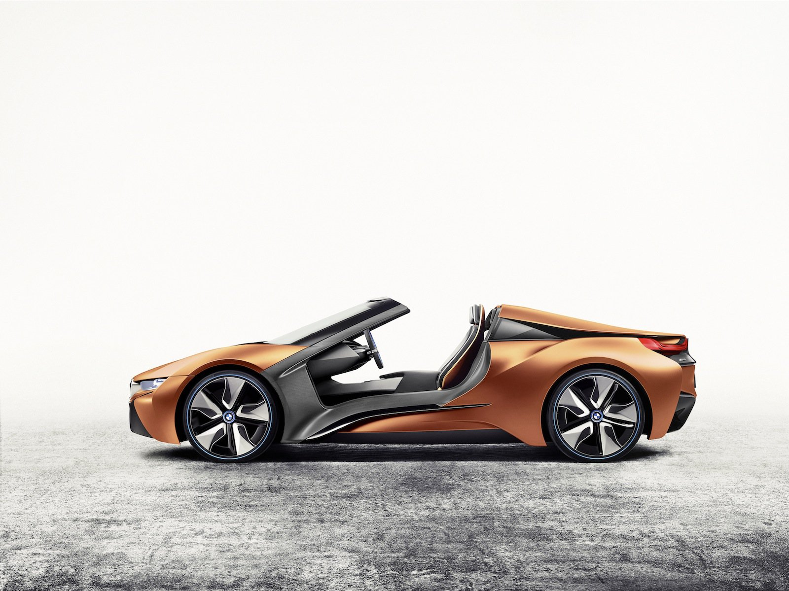 BMW i8 Spyder to Launch by 2018