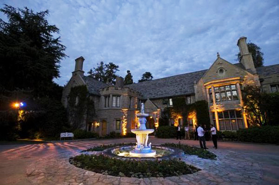Someone Has Finally Bought Hugh Hefner's Playboy Mansion—For This Crazy Price